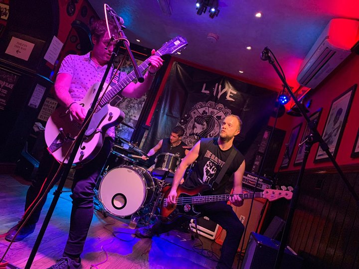 Banging gig at The Lady Luck Bar last Easter Sunday in Canterbury with amazing bands and people! Tha…